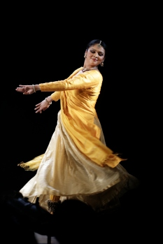 Kathak dancer Gauri Diwakar performing at the 2016 Edinburgh Fringe Festival